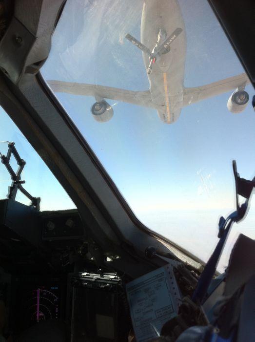 Boeing KC-135 Stratotanker refueling (10)