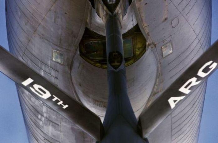 Boeing KC-135 Stratotanker refueling (19)