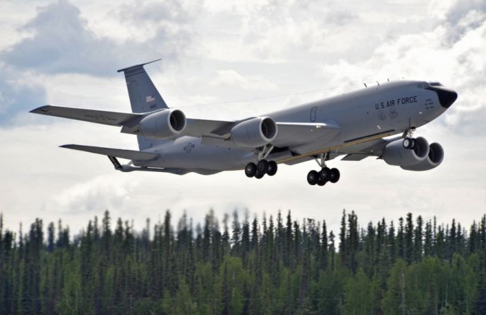 Boeing KC-135 Stratotanker refueling (29)