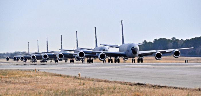 Boeing KC-135 Stratotanker refueling (30)