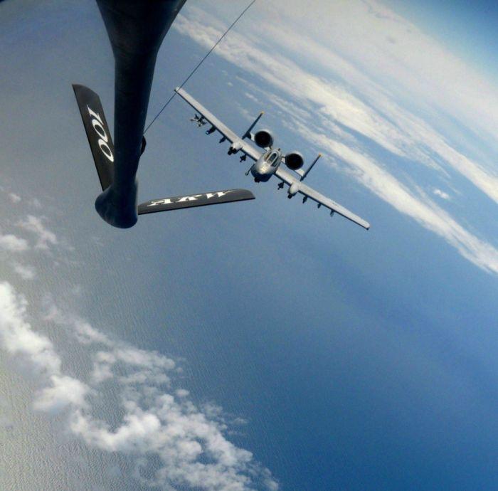 Boeing KC-135 Stratotanker refueling (40)