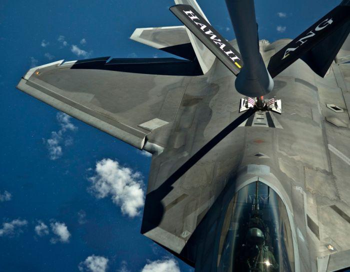 Boeing KC-135 Stratotanker refueling (43)