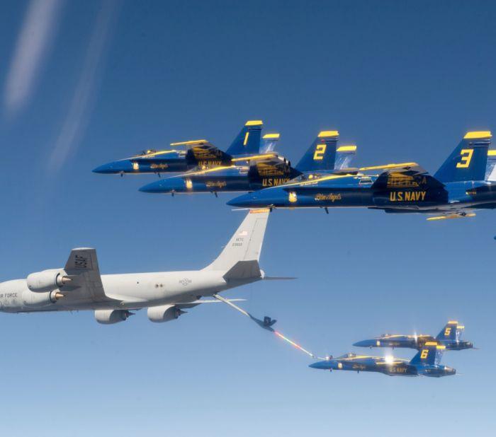 Boeing KC-135 Stratotanker refueling (48)