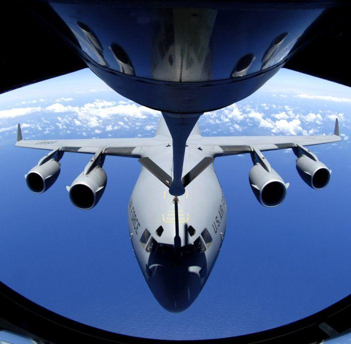 Boeing KC-135 Stratotanker refueling (50)
