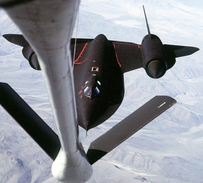 Boeing KC-135 Stratotanker refueling (8)